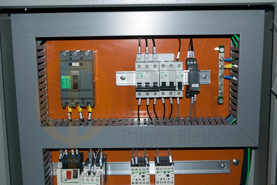 Quadro de Força e Comando para Automação e Acionamento de Motores Elétricos